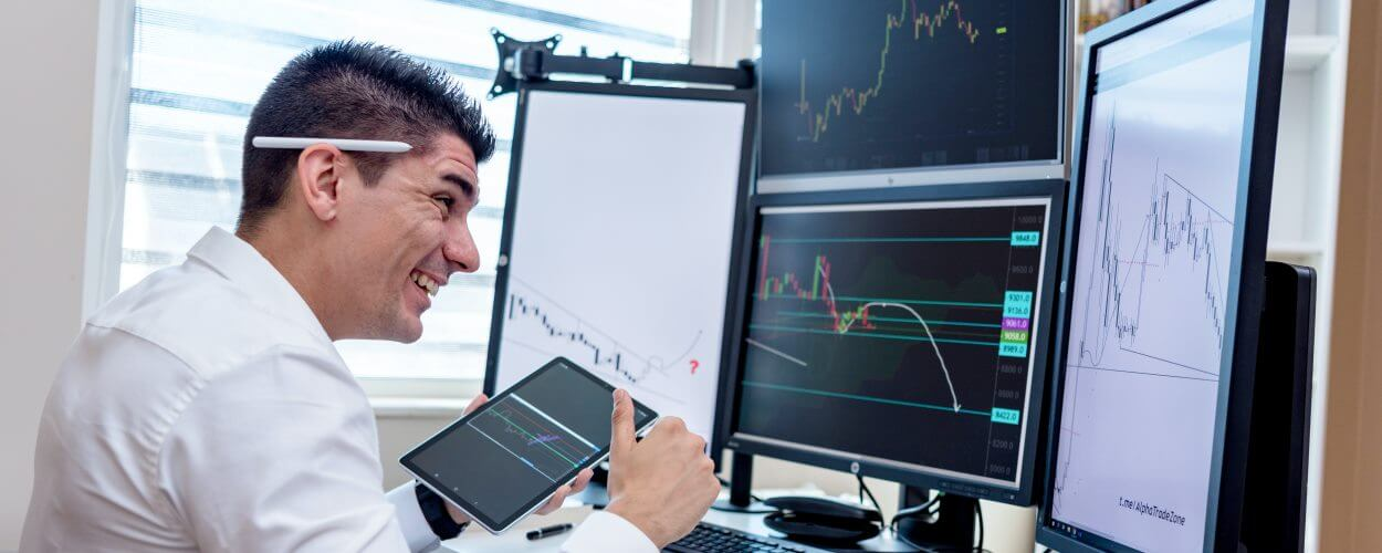 How To Hire Finance Analyst